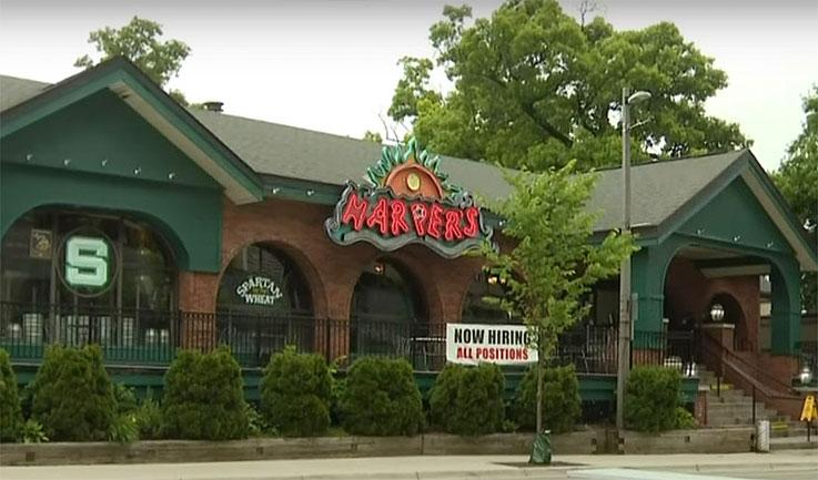 미시간 주 술집을 방문한 85명의 사람들, Covid-19확진 후, 격리 요청