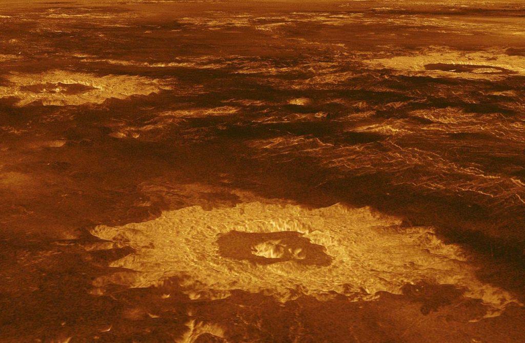 금성의 구름에 생명체를 의미 하는 가스 발견