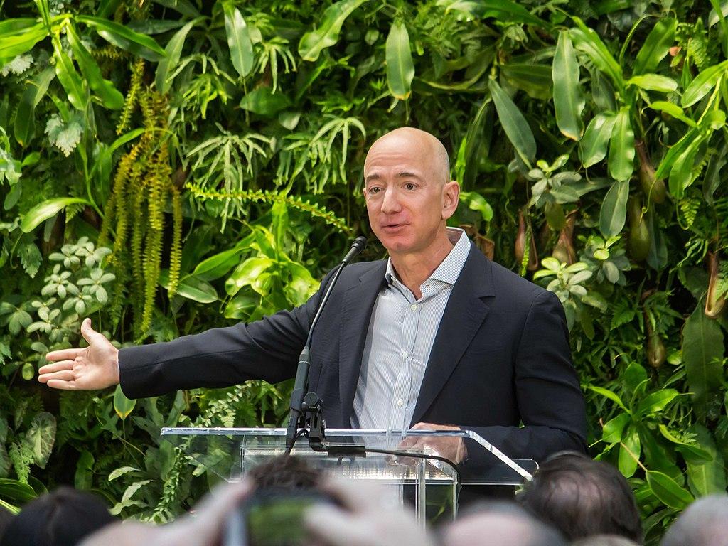"""아마존, 거의 """"2만명의 직원들 코로나바이러스 감염"""" 발표"""