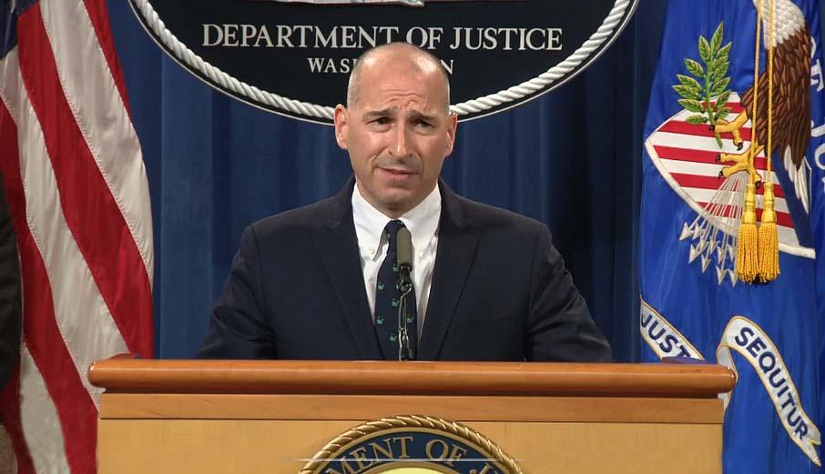"""미 법무부, FBI, 의사당 폭동으로 170명이상 기소, """"시작에 불과"""""""