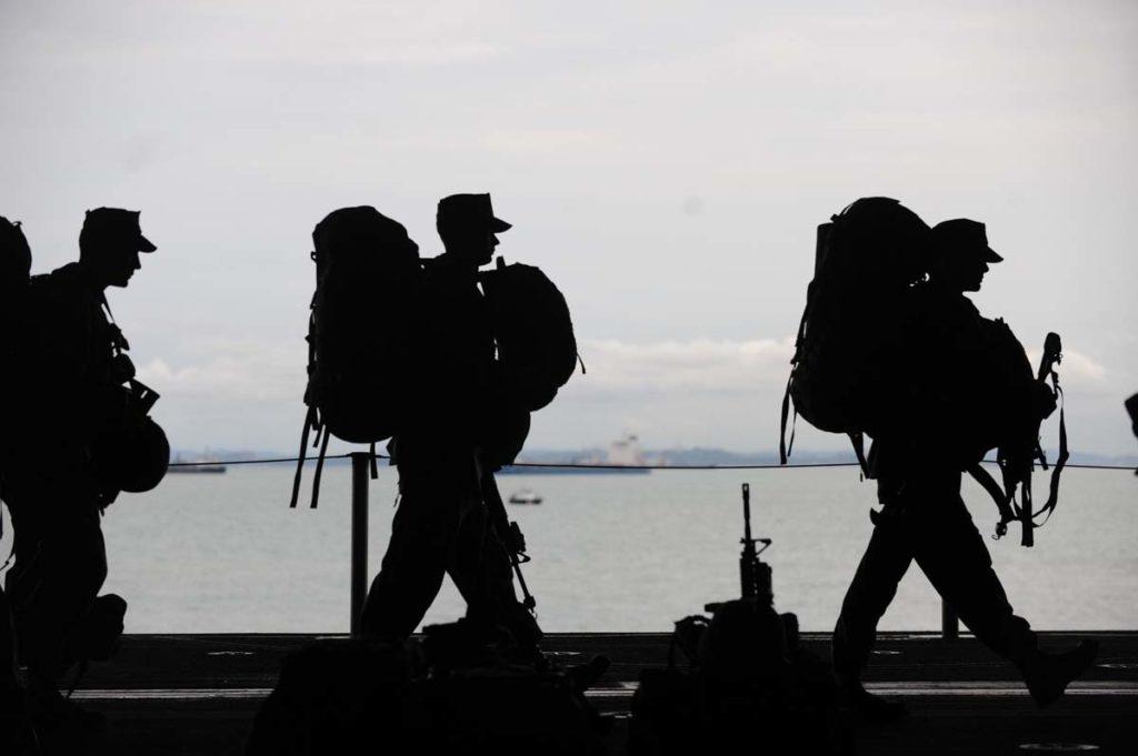 바이든, 트럼프 정부 트렌스젠더 군 복무 금지 해제
