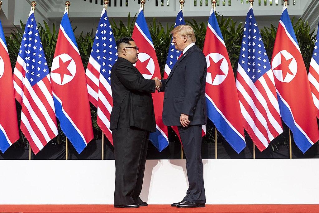 트럼프, 베트남 정상회담 이후 김정은에게 에어포스원 탑승 제안