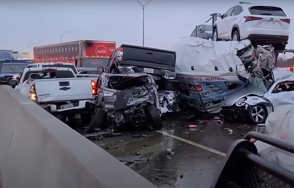 텍사스 포트 워스의 133대 차량 추돌사고, 6명의 사망자 중 5명 신원 확
