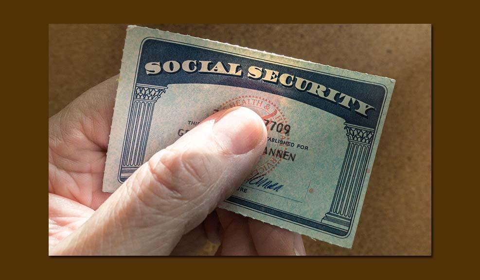 소셜 시큐리티 카드를 발급 받기 위해 필요한 서류와 절차