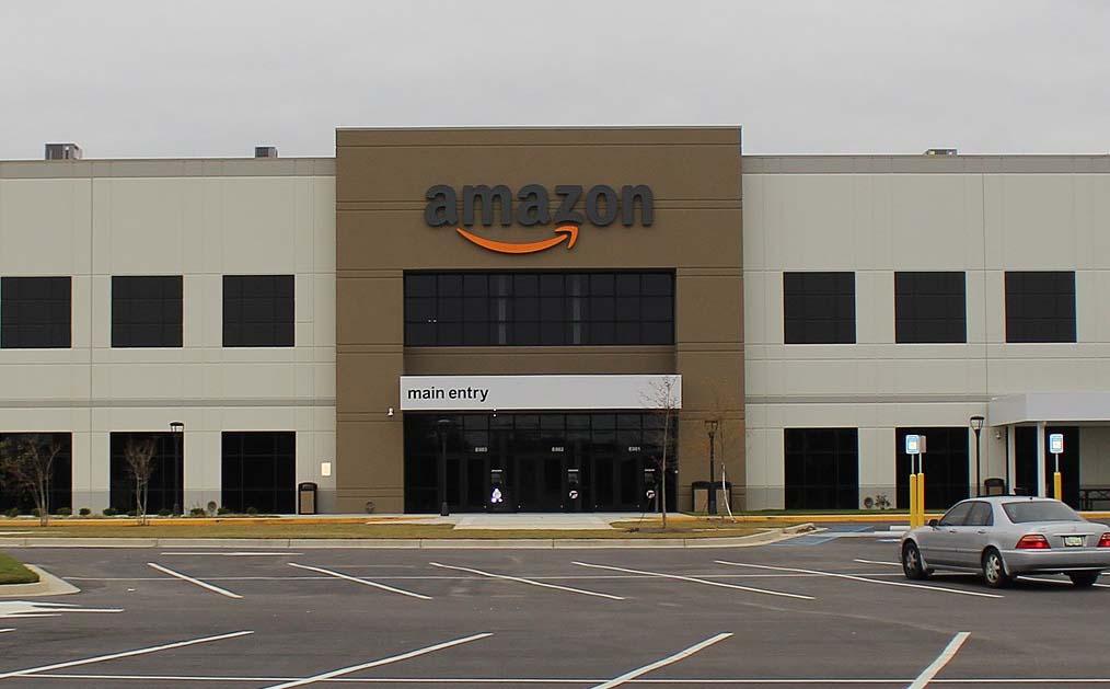 아마존 새로운 CEO 이후 매출 성장세 느려져