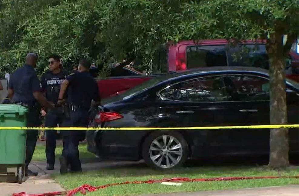 휴스턴에서 부부 살인-자살 사건 발생, 십대는 부상당해