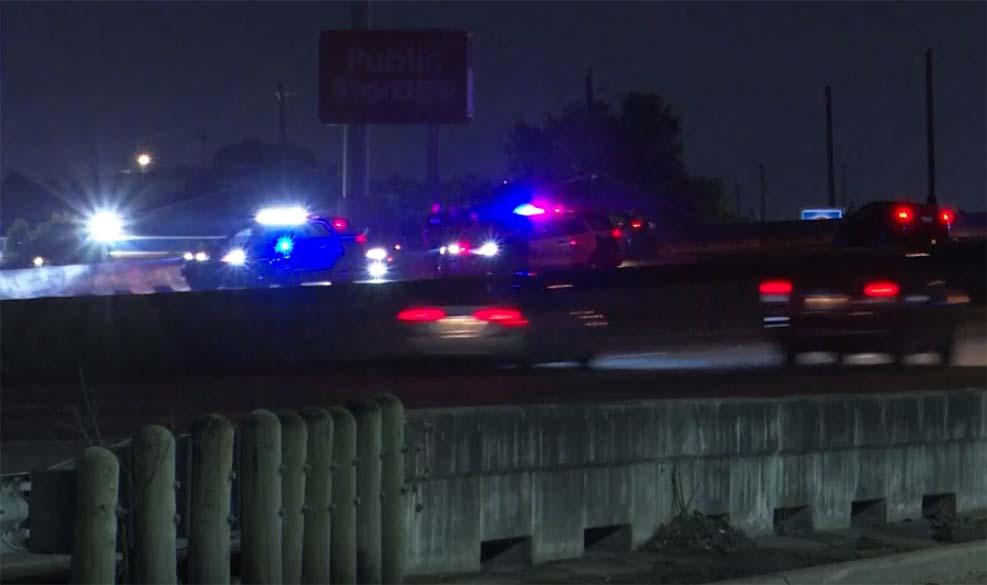 휴스턴 I-45 차량 충돌 사고, 한 남성 머리에 총 맞고 사망