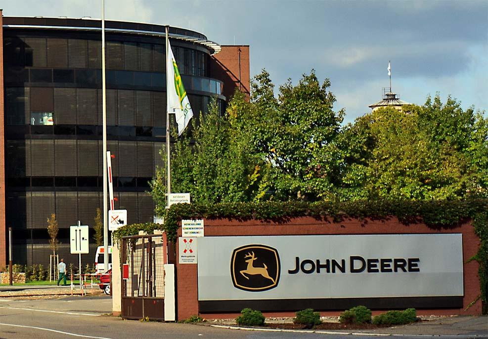 존 디어 1만명 노동자들 파업 돌입
