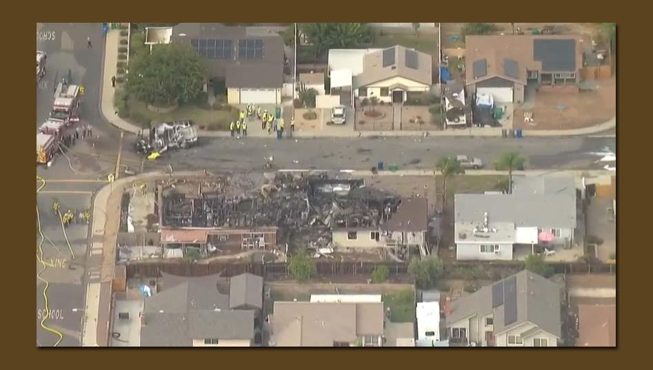 캘리포니아 남부 지역 집에 소형 비행기 충돌해 최소 2명 사망