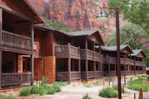 Zion Lodge Building